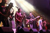 http://musicaengalego.blogspot.com.es/2014/06/fotos-cuchufellos-no-freixo-rock.html