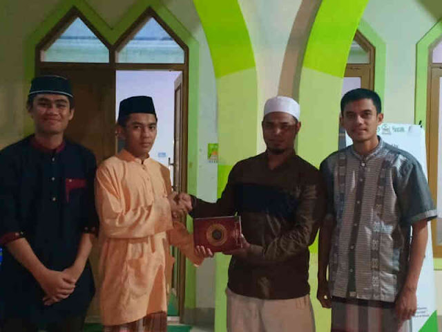 LKA MPM UINAM Tutup Ramadhan dengan Wakaf 1000 Al-Qur'an di NTT dan Bulukumba