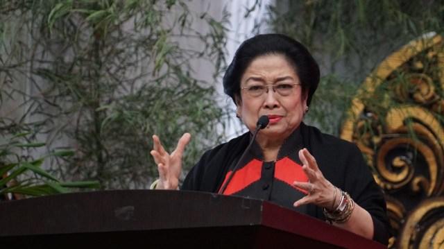 Sedih! Tangis Megawati Pecah saat Bahas Jokowi yang Kerap Dihina: Beliau Itu Sampai Kurus Loh!