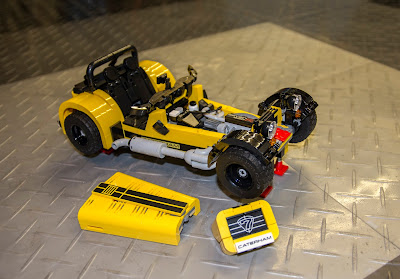 Lego Caterham 620R has removable bonnet, engine and nose cone
