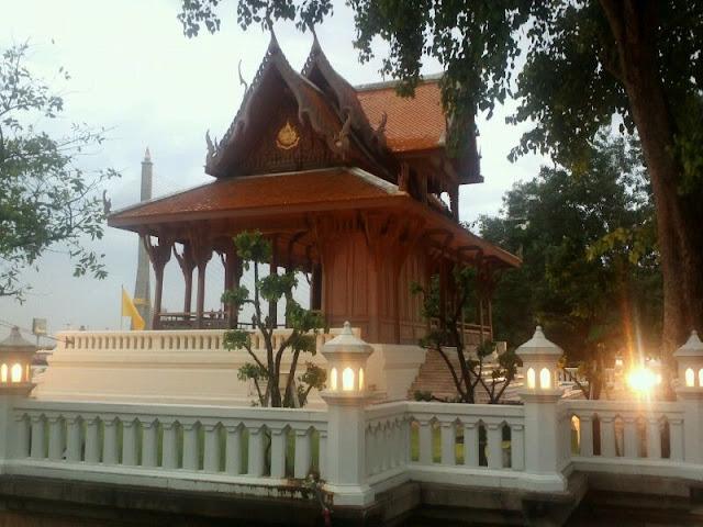Templos, luces y la magia de Bangkok