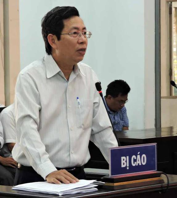 Ông Lê Huy Toàn bị tuyên phạt 9 tháng tù vẫn giữ chức phó chủ tịch TP Nha Trang?