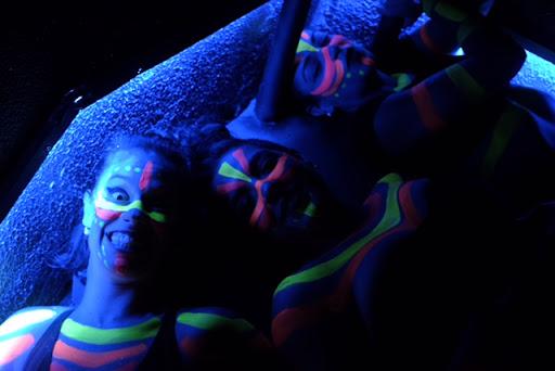 Balé neon com malabaristas de luzes para show de abertura da Convenção Porto Seguro Consorcio, Centro de Convenções Rebouças SP.