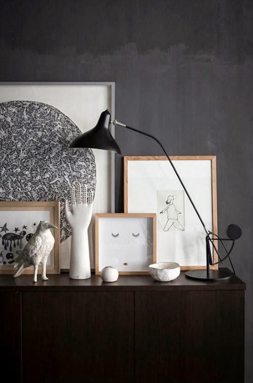 Blog Leuchtend Grau: Schwarze Wandfarbe im Wohnzimmer