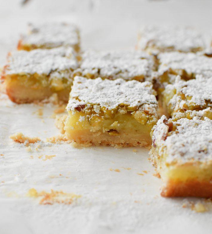 Barritas de limón con pistachos cremosas y fáciles de preparar