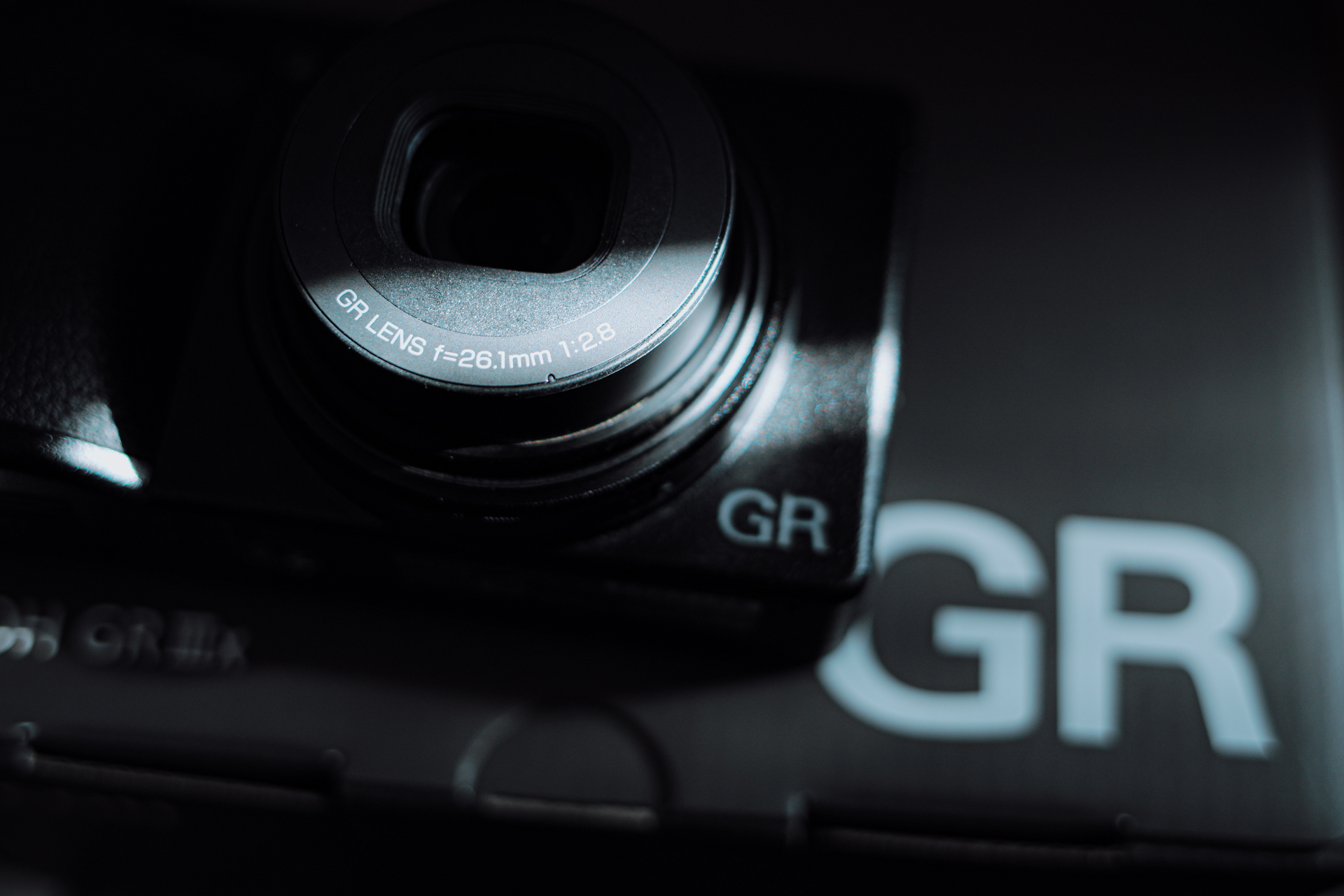Ricoh GR IIIx GR3x 開箱評測 |看似吉光片羽的小確幸