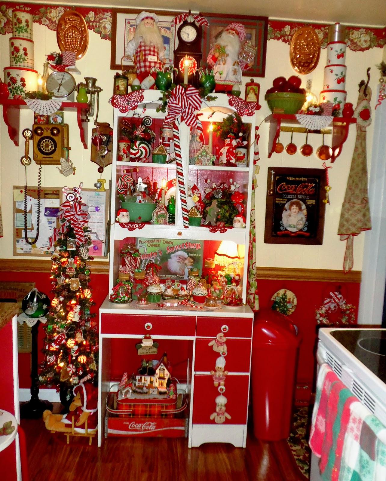 "Christmas Kitchen: A DEBBIE-DABBLE CHRISTMAS: ""Sweet"" Christmas Kitchen, Tree"