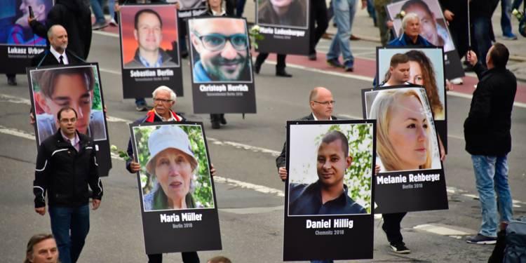 Manifestation en Allemagne dénonçant les crimes des migrants :  Jean Dussine assassiné «l'immigration fait augmenter la criminalité!»