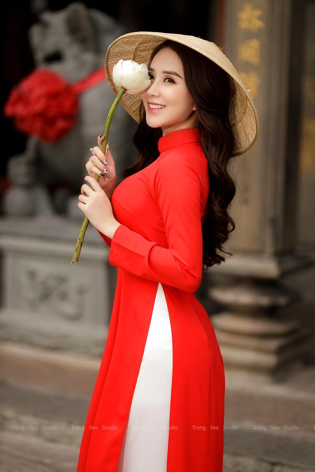Ngắm hot girl Lục Anh xinh đẹp như hoa không sao tả xiết trong tà áo dài truyền thống - 24