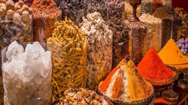 تجارة البهارات في الإمارات