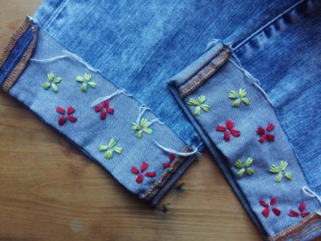 Mẫu thêu hoa trên quần jean đẹp - Hình 6