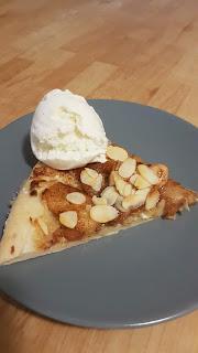 Äppelpizza med mandel