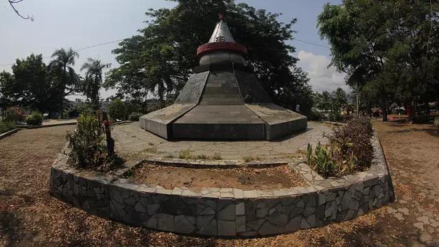 Tafakur Pagi di Monumen Gunung Krakatau