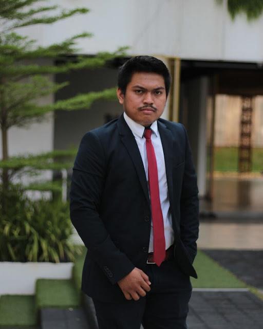 Sukses di Bidang Jasa Konstruksi pada usia 20-an, inilah Profil Romiyan Pirngadi Sirait, media inspirasi bisnis indonesia, artikel edukasi, artikel motivatif, motivasi kerja, kisah motivasi atau cerita motivasi dari seluruh dunia tentang cara meraih mimpi secara rasional. Konten inspiratif, data, dan cara hanya di sini.
