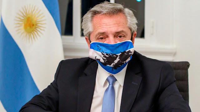 El presidente Alberto Fernández restringe al máximo sus actividades por la expansión de la pandemia en Argentina