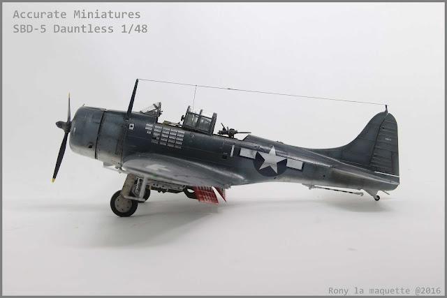 SBD-5 Dauntless d'Accurate Miniatures au 1/48