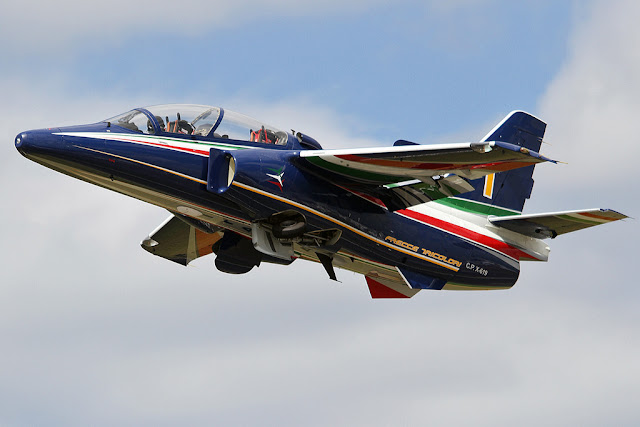 LEONARDO EXHIBITS THE NEW M345 JET TRAINER IN EMIRATES