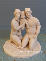 sculture famiglia modellino ricordo da fotografia ritratti statuette da colorare orme magiche