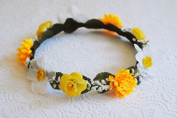 https://www.etsy.com/nz/listing/177929716/small-yellow-white-daffodil-rose?ref=favs_view_3