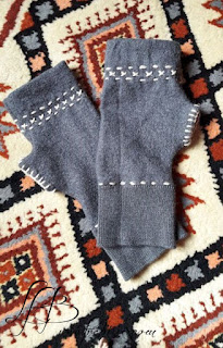 des-moufles-DIY-cousues-dans-un-pull-en-laine