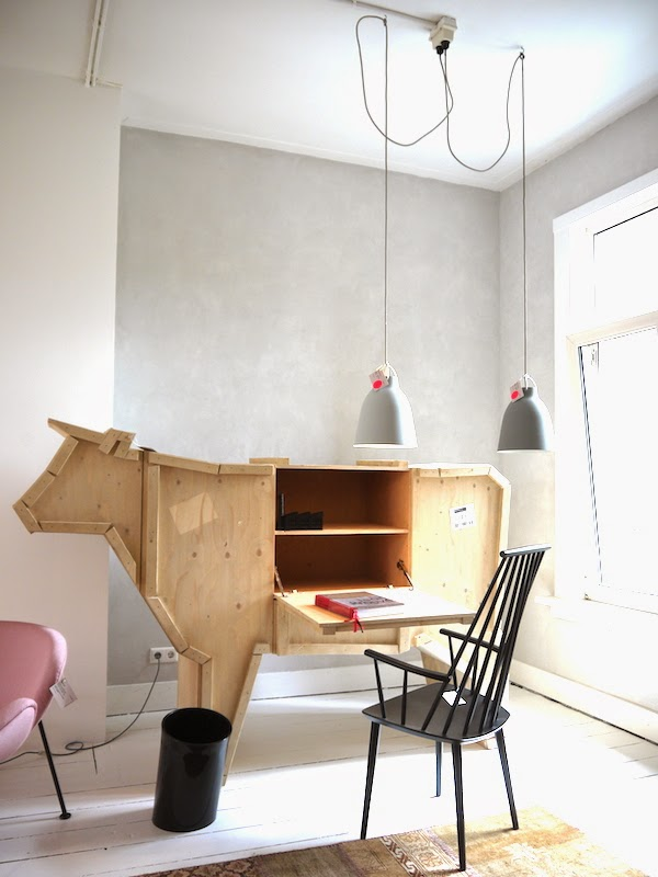 Amsterdam next city guide mobilia woonstudio at for Mobilia furniture