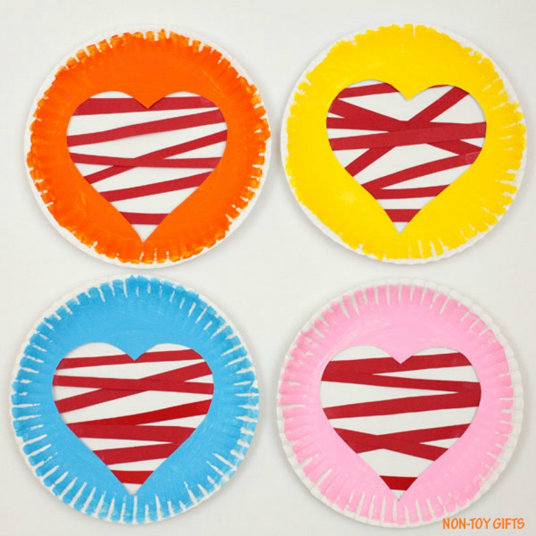heart paper plate craft for preschoolers