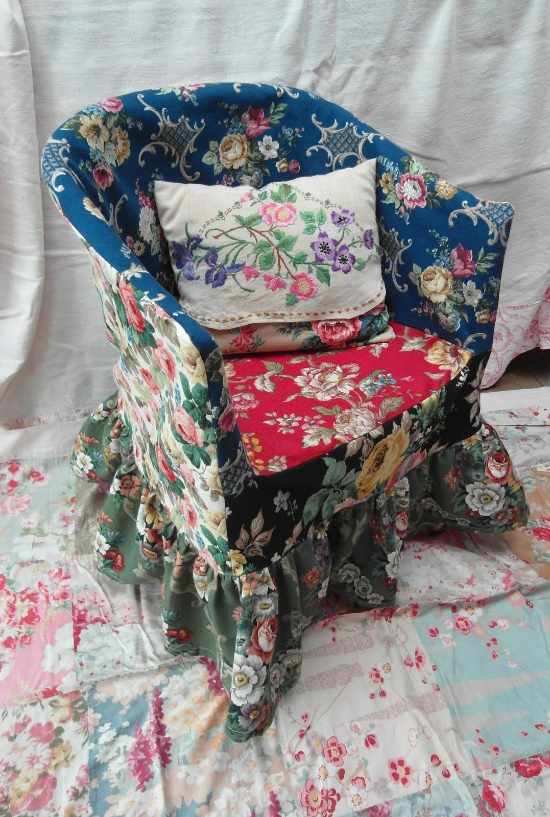 Christmas Chair Covers Big W Hyperextension Roman Equipment Niki Fretwell Colourful Cushions