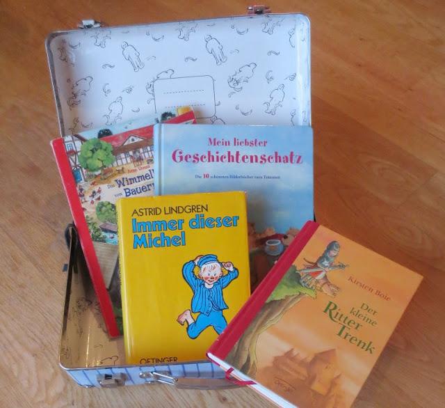 Gastbeitrag: Welche Kinderbücher gehören ins Reisegepäck? Tipps und Empfehlungen für Ferien und Urlaube mit Kindern.