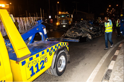 PHOTOS: ONE KILLED AS GRAVEL OF TRUCK FALLS ON A CAR IN OJUELEGBA LAGOS STATE