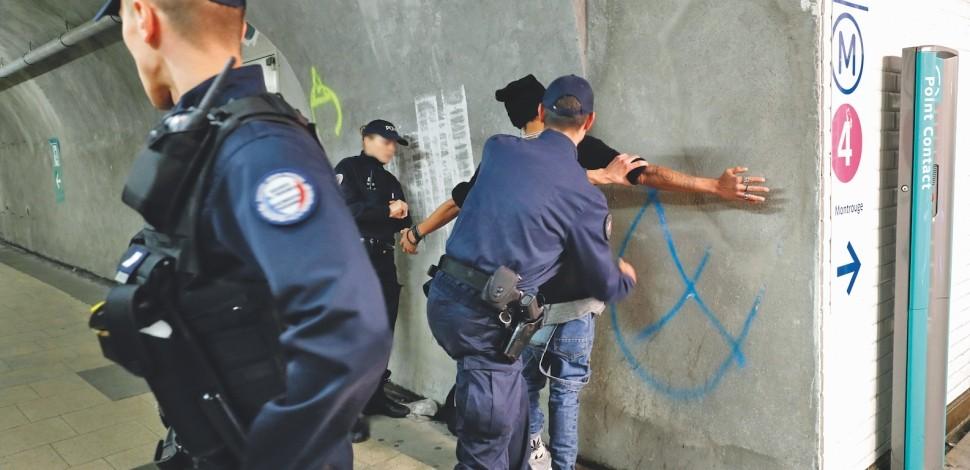 Société & sécurité : Les policiers d'Île-de-France face aux agressions commises par des mineurs isolés
