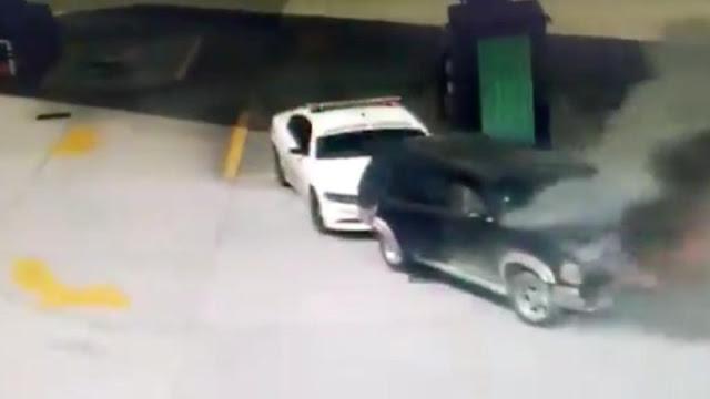 Video: Honor a quien Honor merece; Camioneta se prende e incendia en gasolinera, llega Guardia Nacional por detrás y la arrastra para afuera