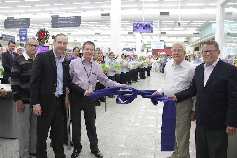 Coop reinaugura loja em São José dos Campos
