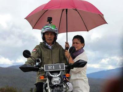 Presiden Jokowi Beberkan Pentingnya Bangun Jalan di Papua - Info Presiden Jokowi Dan Pemerintah
