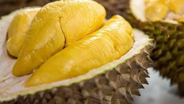 Masuk Rumah Sakit Akibat Cium Buah Durian