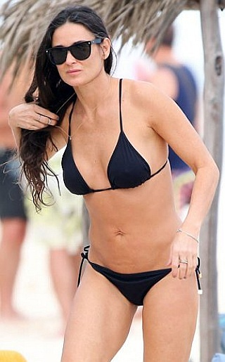 Actress Demi Moore Cleavage and Navel Actress Trend