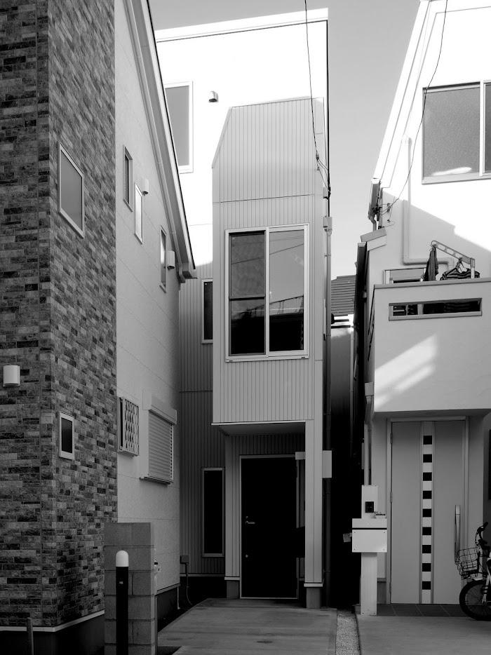 旗竿地に建つ木造3階建て住宅:深沢の家,外観, 小形 徹 * 小形 祐美子プラス プロスペクトコッテージ 一級建築士事務所の設計