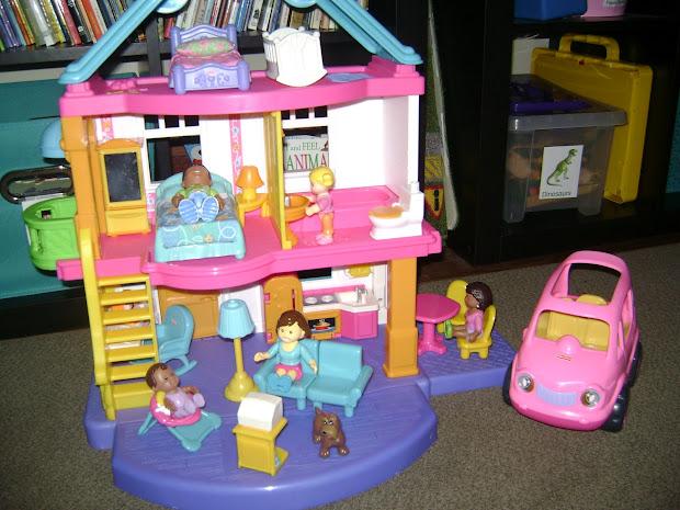 Tadpoles Pollywogs & Froglets Daycare Dollhouse