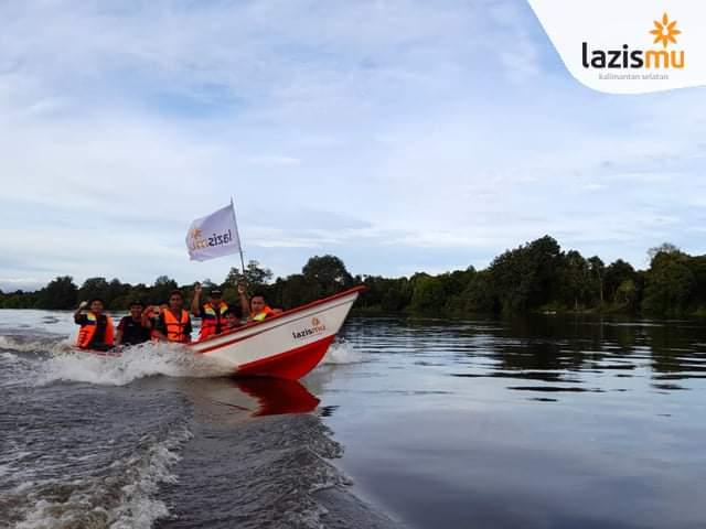 Perahu Fiber Dari Lazismu Menjadi Saksi Betapa Pentingnya Armada Air Dalam Penanganan Banjir