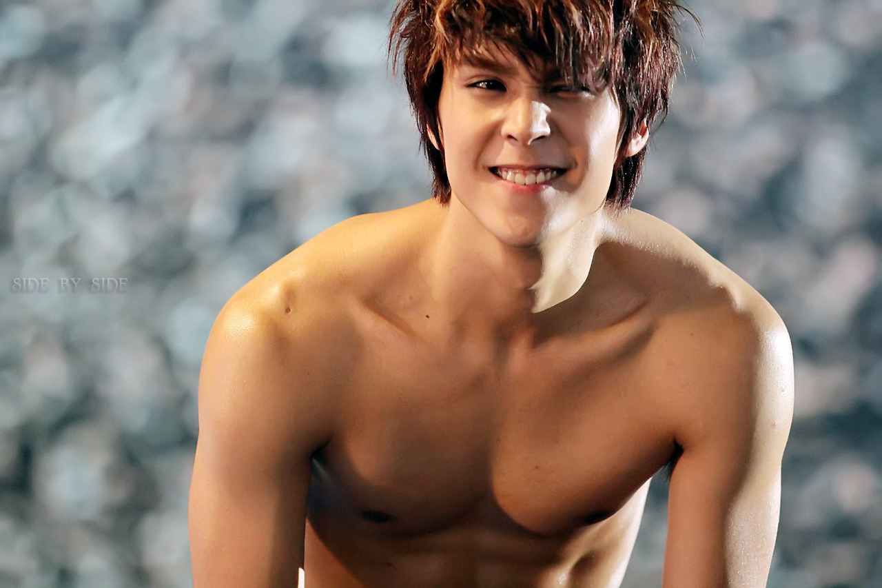 Kpop Hotness: B2ST Dongwoon Shirtless