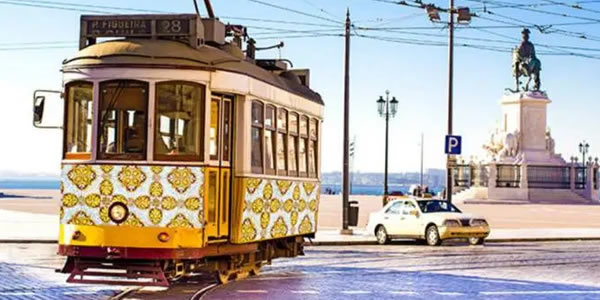 Loggi recruta brasileiros para 100 vagas, incluindo TI, em Portugal.