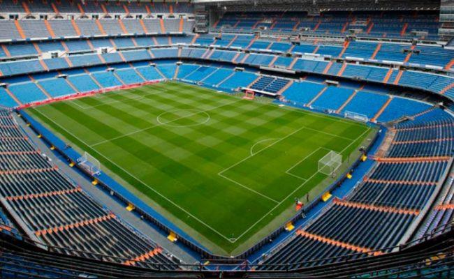 Lapangan Sepakbola Stadion Santiago Barnebau