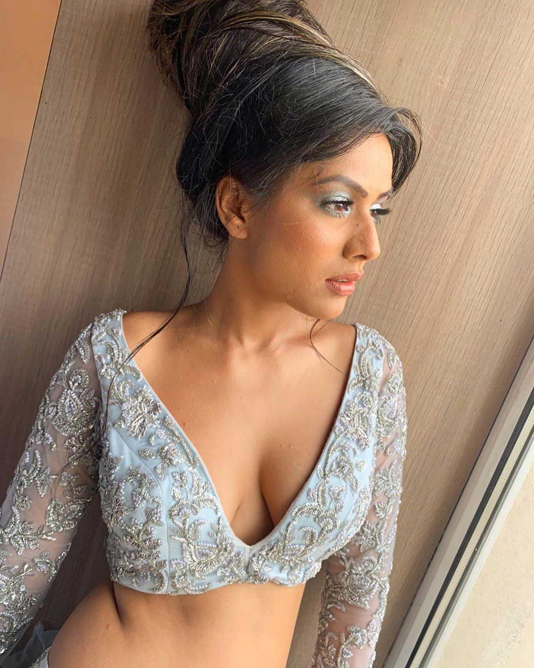 Nia Sharma Hot and Sexy Cleavage
