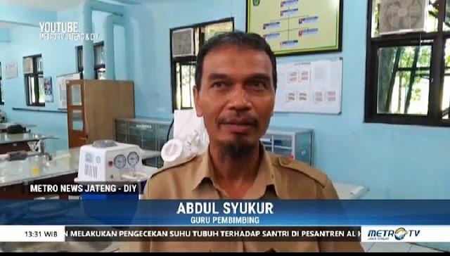 Bersama Dulsukur (Alumni Fapet 85) SMK Muhammadiyah Kajen Pekalongan Produksi Hand Santiziter untuk Tangani Covid 19