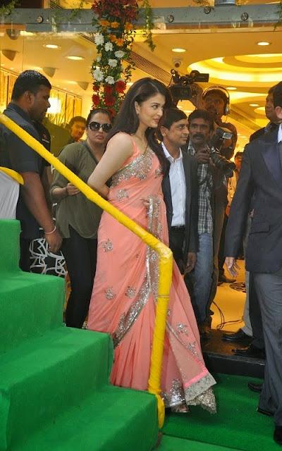 Aishwarya Rai Peach Georgette Designer Saree