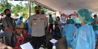 Kapolres Humbahas Tinjau Pelaksanaan Vaksinasi Massal di Pakkat
