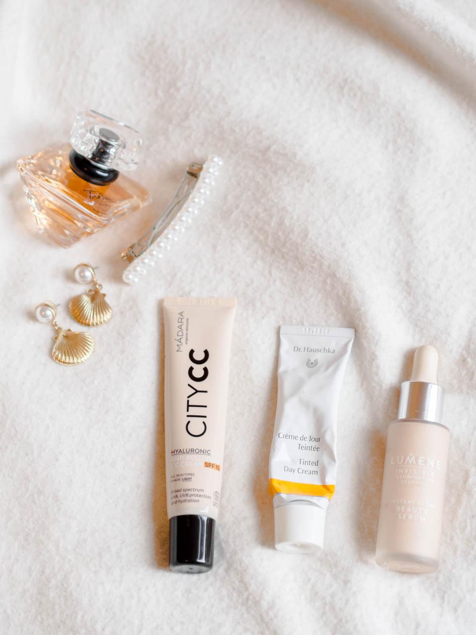Light and natural make up base products - Kevyet ja luonnolliset pohjameikkituotteet