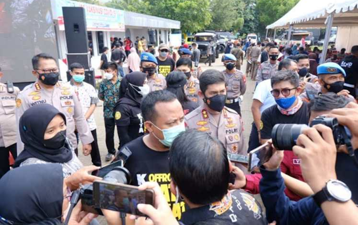 Kapolda Sulsel, Tinjau Vaksinasi Massal di Halaman Monumen Mandala Makassar