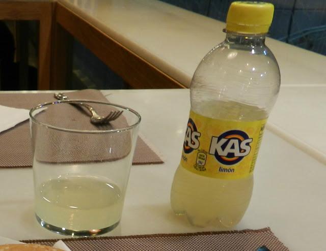 Refrigerecos que já experimentei pelo mundo - Kas de limão, Barcelona, Espanha