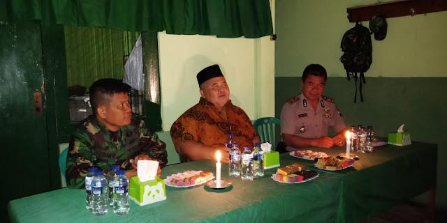 Listrik Padam Tak Surutkan Semangat Muspika Tulung Rayakan HUT TNI ke 74