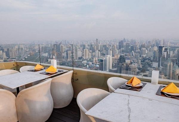 Bữa trưa lãng mạn tại khách sạn Baiyoke Sky